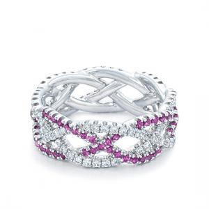 Плетеное кольцо с бриллиантами и розовыми сапфирами