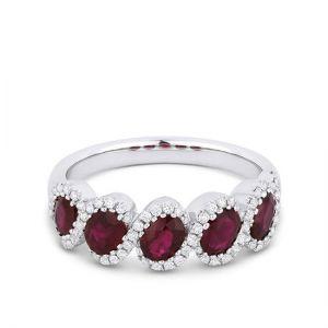 Кольцо с 5 рубинами и бриллиантами
