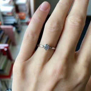 Кольцо дизайнерское с круглым белым бриллиантом - Фото 3