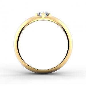 Выпуклое кольцо с бриллиантом