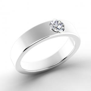Плоское кольцо с брииллиантом в середине