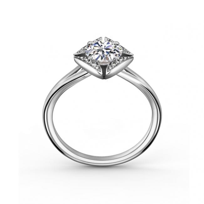 Дизайнерское кольцо с бриллиантом в геометричной оправе