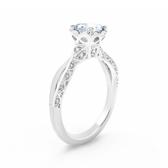 Кольцо с овальным белым бриллиантом и дорожкой,  Больше Изображение 2