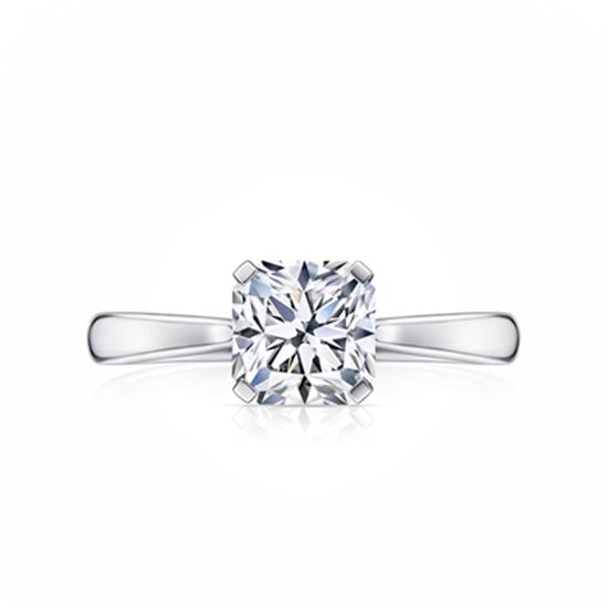 Кольцо солитер с белым бриллиантом огранки «радиант», Больше Изображение 1