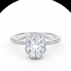 Кольцо с овальным белым бриллиантом в ореоле