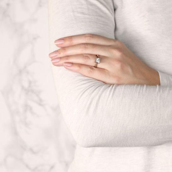 Кольцо с бриллиантом огранки Принцесса со скрытым ореолом,  Больше Изображение 7