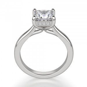 Кольцо с бриллиантом огранки Принцесса со скрытым ореолом