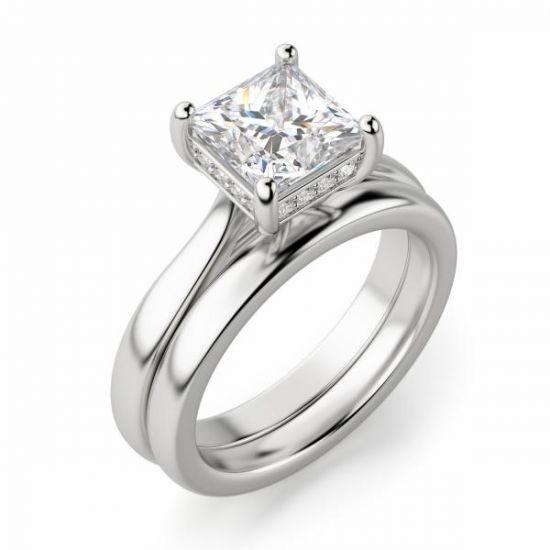Кольцо с бриллиантом огранки Принцесса со скрытым ореолом,  Больше Изображение 4