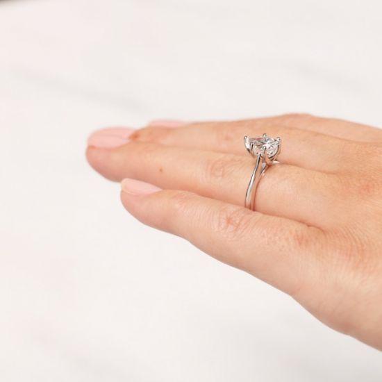 Кольцо солитер с бриллиантом огранки «груша»,  Больше Изображение 7