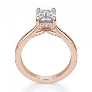 Кольцо из розового золота с бриллиантом Эмеральд