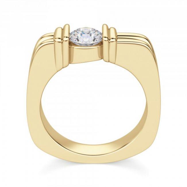 Современное кольцо с бриллиантом в жёлтом золоте