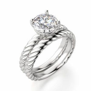 Кольцо солитер с бриллиантом на шинке канате