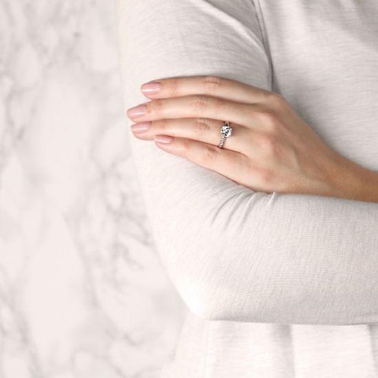 Кольцо солитер с бриллиантом на шинке канате,  Больше Изображение 7
