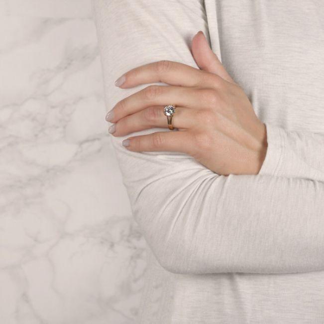Кольцо двойное с круглым бриллиантом