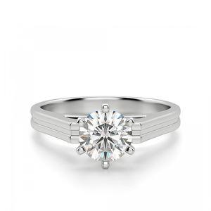 Кольцо прямоугольной шинкой с бриллиантом