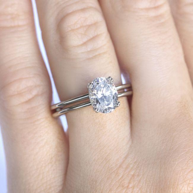 Кольцо двойное солитер с бриллиантом овал