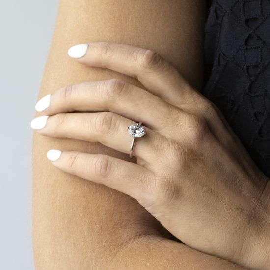 Кольцо с овальным бриллиантом в 4 лапках,  Больше Изображение 4