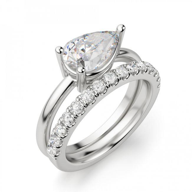 Кольцо с горизонтальным бриллиантом огранки Груша