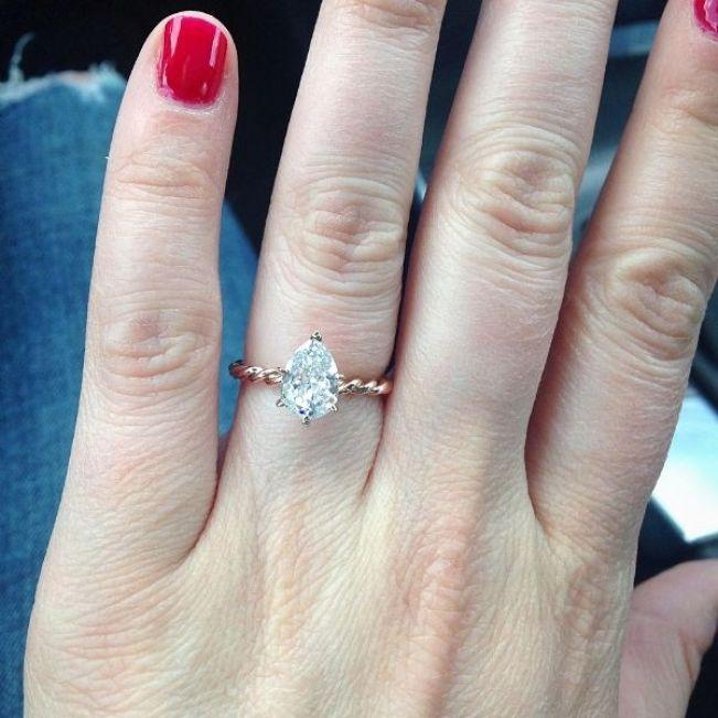 Кольцо плетеное с бриллиантом Капля 1 карат - Фото 3