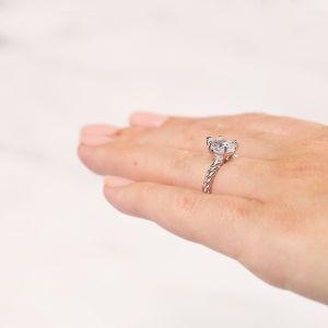 Кольцо плетеный канат с бриллиантом Груша