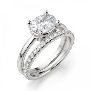 Кольцо с горизонтальной закрепкой овального бриллианта