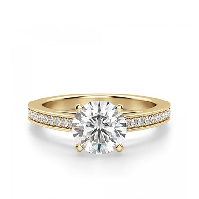 Кольцо с круглым белым бриллиантом и дорожкой