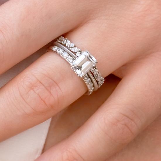 Кольцо солитер с бриллиантом огранки «изумрудная»,  Больше Изображение 4