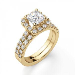 Золотое кольцо с бриллиантом Принцесса в ореоле