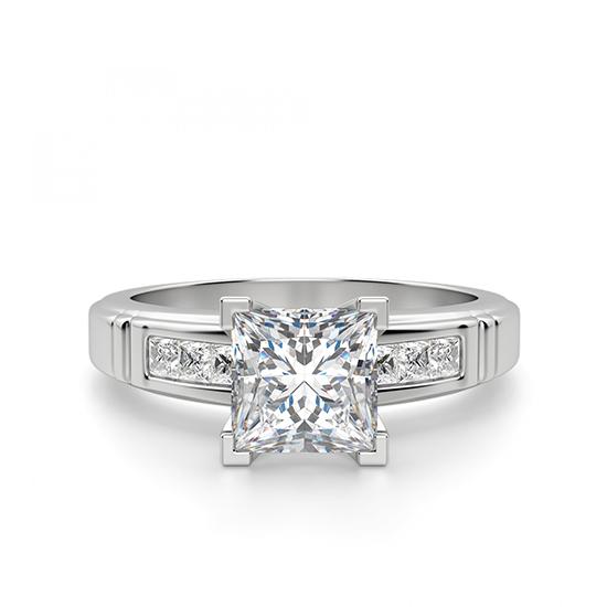 Кольцо солитер с 7 бриллиантами огранки Принцесса, Больше Изображение 1