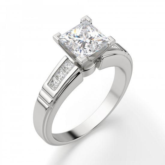 Кольцо солитер с 7 бриллиантами огранки Принцесса,  Больше Изображение 3