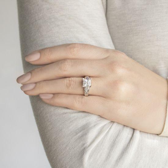 Кольцо солитер с 7 бриллиантами огранки Принцесса,  Больше Изображение 6