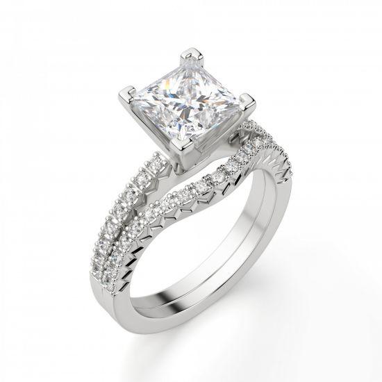 Кольцо с бриллиантом Принцесса и дорожкой с боков,  Больше Изображение 4