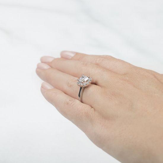 Кольцо с бриллиантом огранки принцесса в ореоле,  Больше Изображение 6
