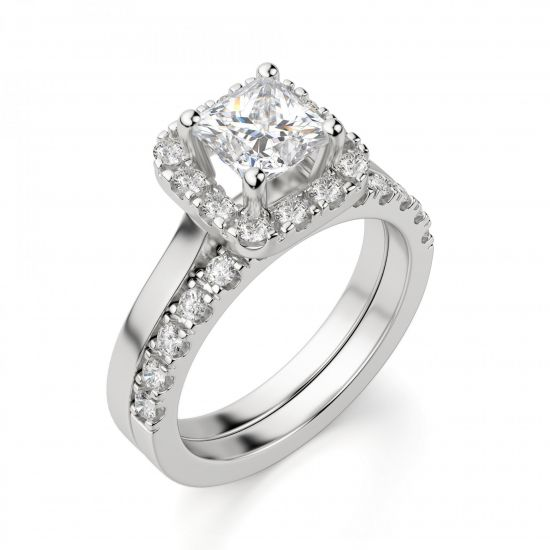 Кольцо с бриллиантом огранки «принцесса» в ореоле,  Больше Изображение 3