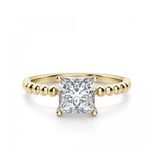 Кольцо с бриллиантом огранки «принцесса»