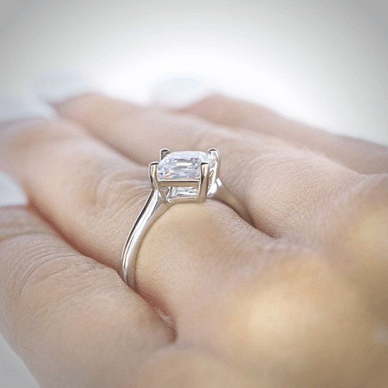 Кольцо с бриллиантом огранки Принцесса,  Больше Изображение 4