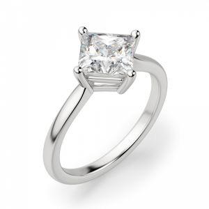 Кольцо с перевернутым бриллиантом огранки Принцесса