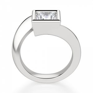 Кольцо Твист из золота с бриллиантом Принцесса