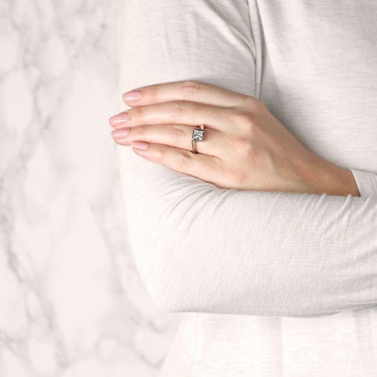 Кольцо Твист из золота с бриллиантом Принцесса,  Больше Изображение 5