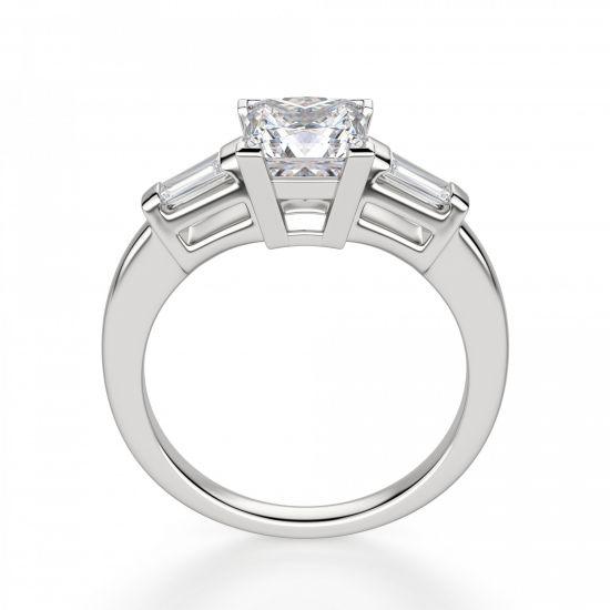 Кольцо с бриллиантом Принцесса» и багетами,  Больше Изображение 3