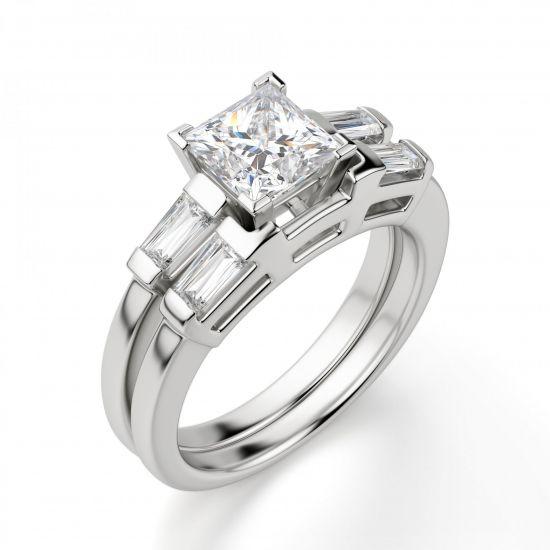 Кольцо с бриллиантом Принцесса» и багетами,  Больше Изображение 2