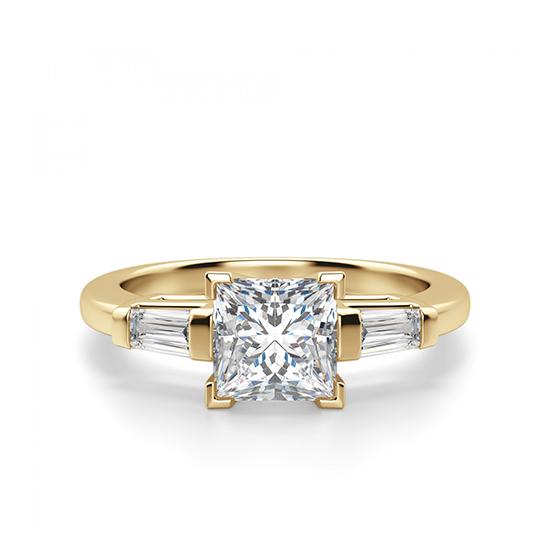 Кольцо с бриллиантом Принцесса и багетами, Больше Изображение 1