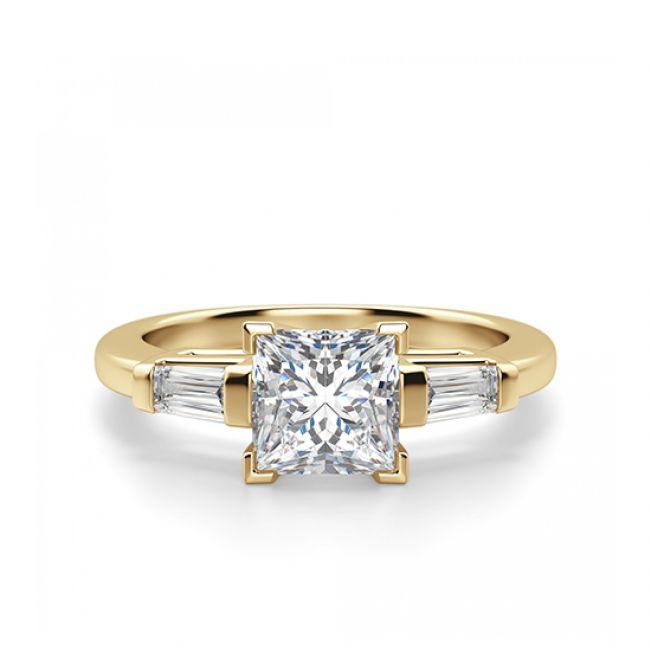 Кольцо с бриллиантом Принцесса и багетами
