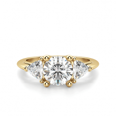 Кольцо с 3 бриллиантами из желтого золота