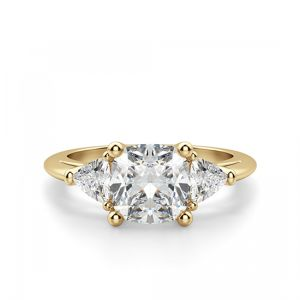 Кольцо с кушоном в центре с боковыми бриллиантами