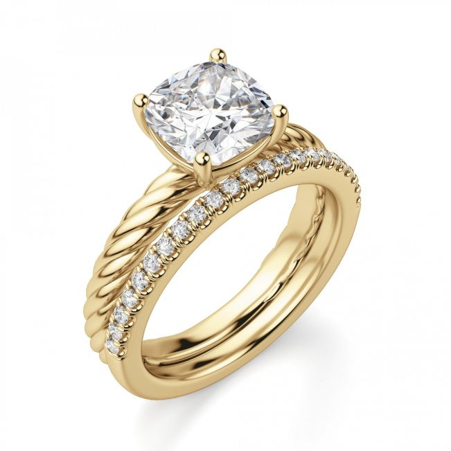Кольцо канат из желтого золота с бриллиантом Кушон