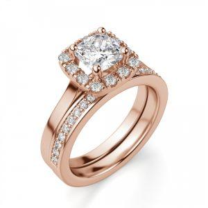 Кольцо с бриллиантом Кушон в ореоле из паве