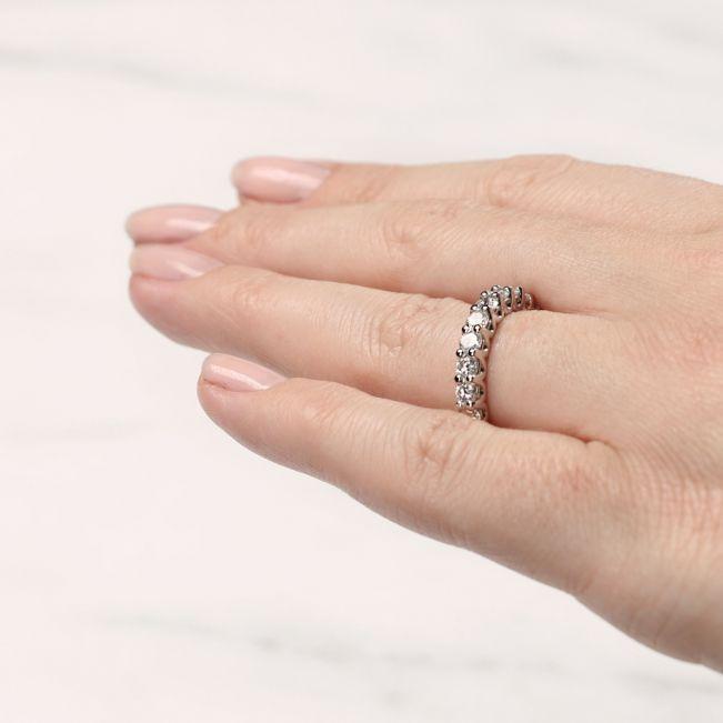 Кольцо дорожка с белыми бриллиантами по кругу