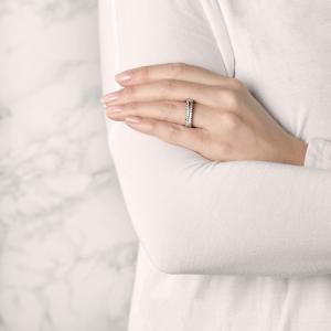 Кольцо с двойной дорожкой бриллиантов