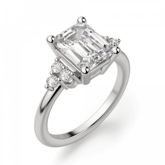 Кольцо с бриллиантом эмеральд и 3 бриллиантами по бокам,  Больше Изображение 2